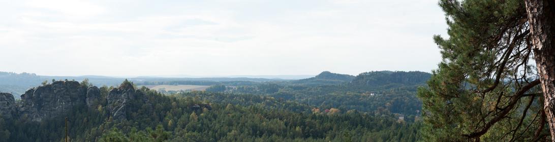 Blick hinüber zum Königstein und übers Rathener Gebiet
